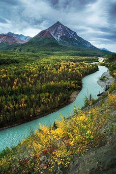 King Mountain and Matanuska River / Alaska
