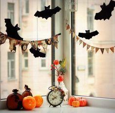 Друг, а ведь Хэллоуин уже совсем скоро! Время подумать о том, как его отпраздновать. Может быть, у Тебя в планах домашняя вечеринка? Тематические блюда, дресс-код, истории-ужастики... Для этого непременно нужен правильный антураж!