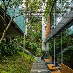 Image 14 of 39 from gallery of Ubatuba House II / SPBR Arquitetos. Photograph by Nelson Kon Landscape Architecture, Interior Architecture, Landscape Design, Design Exterior, Interior And Exterior, Room Interior, Weekend House, Modern House Design, Bauhaus