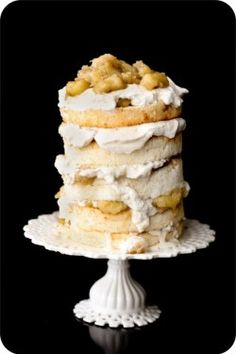 I am IN LOVE with this messy and delicious looking bananas foster naked wedding cake.