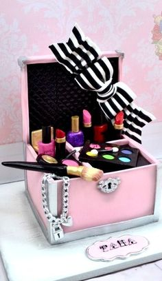 Make up cases, Make up and Cake make on Pinterest
