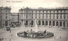 Piazza della Repubblica (ex Piazza Esedra) con la fontana delle Naiadi Anno: 1901 Pretoria, Historical Architecture, World History, Old Photos, Rome, Mario, Louvre, Italy, Building