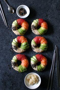 sushi doughnuts with salmon tuna avocado and cucumber Sushi Donuts, Sushi At Home, Asian Recipes, Healthy Recipes, Sushi Love, How To Make Sushi, Sushi Restaurants, Donut Recipes, Japanese Food