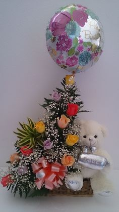 Arreglo de cumpleaños, rosas, peluche y globp