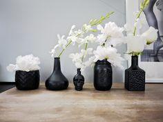 neato! bonito: DIY: black matte vases
