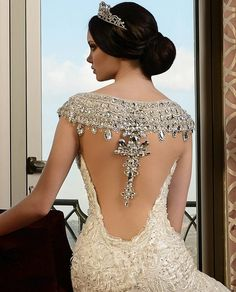 A closer view of the extraordinary back detailing featured on the exquisite Rami Salamoun bridal couture gown that we posted earlier in the week! Couture Dresses, Bridal Dresses, Prom Dresses, Wedding Attire, Wedding Gowns, Affordable Wedding Dresses, Bridal Fashion Week, Photo Instagram, Beautiful Gowns