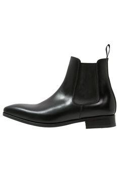Najlepsze obrazy na tablicy Obuwie męskie Shoes for men