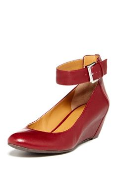 Myda Wedge - Nine West