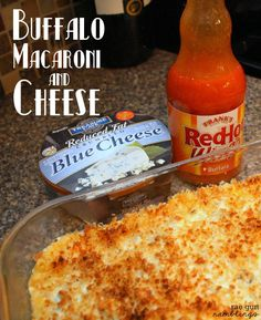 The best of comfort food. Quick and easy buffalo macaroni and cheese recipe from Rae Gun Ramblings