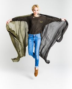 #thehiptee #ladylikegrunge #talia http://www.thehiptee.com/es/accesorios/975-talia-viscose-scarf-acid-wash.html