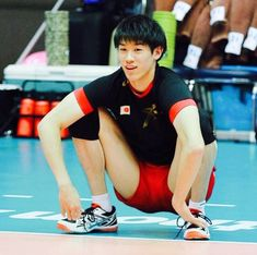 Volleyball Poses, Volleyball Players, Ishikawa, Football Boys, Body Reference, Tokyo Olympics, Athletic Men, Sports Pictures, Sport Man