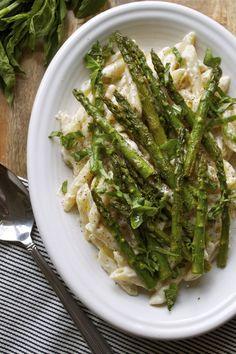 Spring Asparagus Pasta w/ Vegan Alfredo Sauce | In Pursuit of More