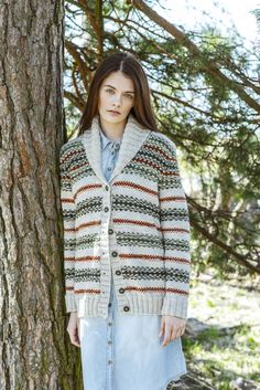 Novita 3/2016 Womens knitted cardigan, free pattern in English, Finnish and Swedish at novitaknits.com