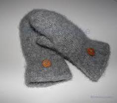 Bilderesultat for hjertevotter mønster Mittens, Slippers, Felt, Socks, Embroidery, Knitting, Crochet, Fashion, Fingerless Mitts
