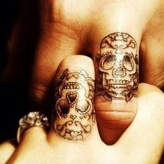 http://tattoo-ideas.us Sugar skull finger tattoos