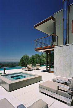 villa contemporaine, grand extérieur de maison de luxe