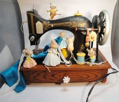 "Enesco Music Box Petite Sewing Machine Mice Vintage ""My Favorite Things"" 