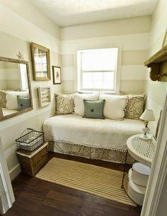 6 Claves Para Decorar Un Dormitorio Con Poca Luz Small Guest Roomsguest Bedroomstiny Bedroomsextra Bedroomspare Bedroom Decorideas
