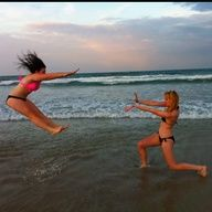 pictures+to+do.with+bff+on+beach | Cool beach picture idea! Haha #the #force