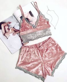 Pijamas sensuales - Under Wear Pretty Lingerie, Sheer Lingerie, Beautiful Lingerie, Lingerie Sleepwear, Lingerie Set, Nightwear, Sheer Bra, Lingerie Design, Fashion Design Inspiration