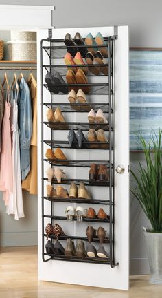 Turn your doors into storage space with these 20 clever ideas - Living in a shoebox Add extra storage space to your kitchen, entryway, bedroom and bathroom with these ingenious over-the-door ideas. Elfa white wire kitchen door & wall r Closet Shoe Storage, Diy Shoe Rack, Shoe Rack Door, Shoe Rack In Closet, Shoe Storage On Wall, Storage For Shoes, Shoe Storage Ideas Bedroom, Shoe Storage Apartment, Shoe Closet Organization