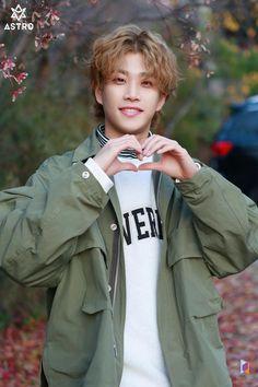 Listen to every Astro track @ Iomoio K Pop, Astro Mj, Park Jin Woo, Astro Wallpaper, Fandom Kpop, Lee Dong Min, Astro Fandom Name, Young K, Rapper