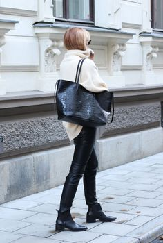 chunky knit, leather pants, croco bag and booties