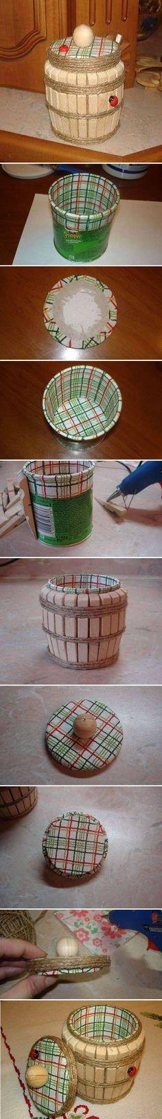 linda idea...envase y broches de madera...algo de hilo cañamo y ya!: