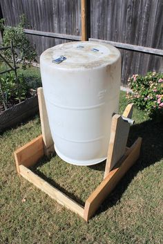 Fire Fly Fisherman: DIY Compost Tumbler