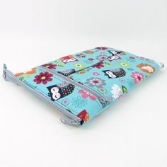 Most recent Pics sewing hacks ladder stitch Tips Circle Zip Earbud Pouch Sewing Pattern – dogundermydesk Easy Sewing Projects, Sewing Projects For Beginners, Sewing Hacks, Sewing Tutorials, Sewing Tips, Sewing Ideas, Sewing Crafts, Wallet Sewing Pattern, Sewing Patterns Free