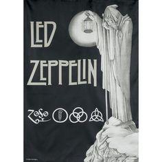 Hochwertig bedruckte Flagge aus 100% Polyester. Die Flagge hat die Maße 75 x 110 cm.  Die schwarze Stairway To Heaven Flagge katapultiert euch zurück in die beste Zeit von Led Zeppelin. Auf der Vorderseite sind die mysteriösen vier Symbole von Led Zeppelin aufgedruckt, die auch auf dem vierten Album zu sehen sind. Jedes Symbol steht dabei für ein Bandmitglied. Das Zoso-Symbol ist das Symbol von Jimmy Page. Die Bedeutung hat er bis heute nicht verraten - er hat nur immer betont, dass das…
