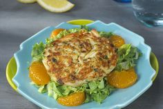 Enjoy these kidney-friendly crab cakes, the perfect addition to any summer dinner party! #kidneydiettips #recipe