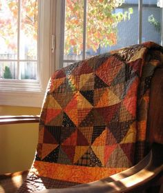 Visit Quilting Board for Free Quilt Patterns, Templates and How-to-Quilt Tutorials. Join our Quilting Forum to view Pictures of Quilts and meet fellow quilters. Flannel Quilts, Fall Quilts, Scrappy Quilts, Bed Quilts, Colchas Country, Country Quilts, Orange Country, Quilting Projects, Sewing Projects