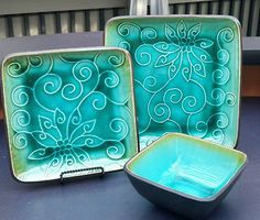NEW Roscher Green Stoneware 3 piece dinner ware place setting Tropical Kitchen, China Dinnerware, Place Settings, 3 Piece, Stoneware, Sweet Home, House Ideas, New Homes, Teal
