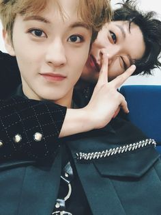 """Ten looks like a cutie meanwhile Mark be like """"i'm so done with this gayest hyung"""" Mark Lee, Ten Mark, Winwin, Taeyong, Jaehyun, Nct 127, K Pop, Jyp Got7, Johnny Seo"""
