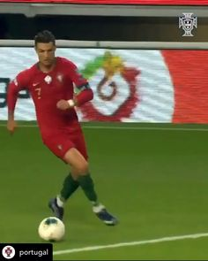 Cristiano Ronaldo Portugal, Cristiano Ronaldo Video, Ronaldo Videos, Cristiano Ronaldo Shirtless, Christano Ronaldo, Cristiano Ronaldo Wallpapers, Messi Football Video, Football Gif, Football Players