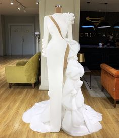 6 Looks from Valdrin Sahiti : Aishwaryaaraiii Glam Dresses, Sexy Wedding Dresses, Event Dresses, Wedding Gowns, Fashion Dresses, White And Silver Dress, Elegant Dresses For Women, Insta Look, Beautiful Gowns