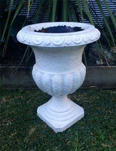 Vintage Rustic White Concrete Garden Pot Plant - Planter Retro Urn Style -SYDNEY