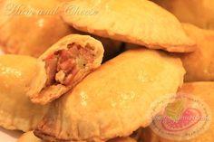 Ham and Cheese Empanada Recipe http://www.pingdesserts.com/ham-and-cheese-empanada-recipe/