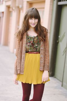 super cute! Contrasting the yellow and maroon in the blouse with the skirt and tights (Y)