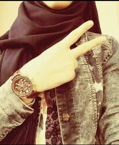 My kinda style Muslim Girls Photos, Stylish Girls Photos, Stylish Girl Pic, Cute Girl Face, Cute Girl Photo, Girl Photo Poses, Hijabi Girl, Girl Hijab, Niqab Fashion
