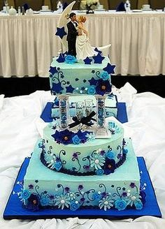 I like the light blue color..not the cake though..ew