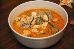 bon appétit: Wyrazista zupa z kurczaka z winem i serem pleśniowym