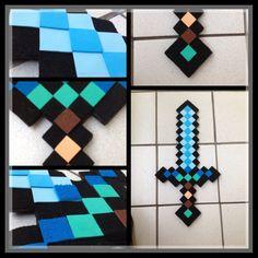"""Espada Minecraft ,con carton y goma eva con los colores caractaristicos, en este caso de """"Espada Diamante""""... a mi sobrino le encanto .../DIY by Luz Arias."""