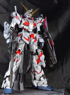 PG 1/60 RX-0 Unicorn Gundam w/ LED - Painted Build