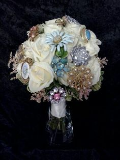 Vintage broch bouquet