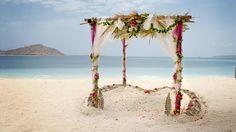 Auf den Bahamas, Hawaii, Mauritius oder in Italien sagten schon viele Paare Ja. Entsprechend gibt es dort auch zahlreiche Hotels, die mit der Hochzeits-Organisation bestens vertraut sind und wissen, worauf es ankommt.