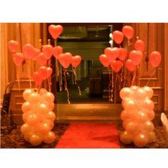 Entrance decor with balloons