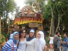 Universal Studio Singapore with best friends