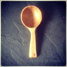 Little coffee scoop made from cherry. I'm hoping I can find some more bits in the shed as my stash had gone. It's lovely to work with :-) X #loulabelleathome #spooncarving #spoons #greenwoodworking